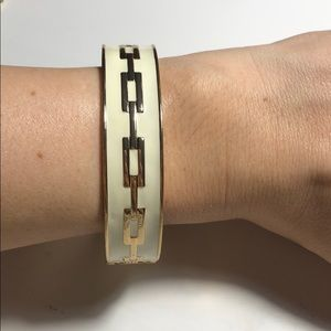 Jewelry - White and gold enamel chain pattern bracelet